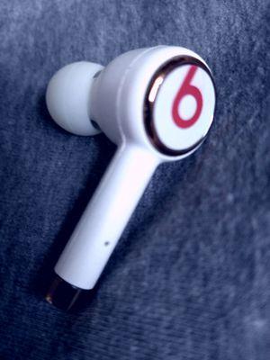 Powerbeat 3 - Single/Left Earbud Only for Sale in St. Petersburg, FL