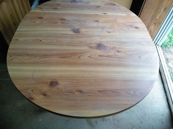 Kitchen Table with Expansion Leaf