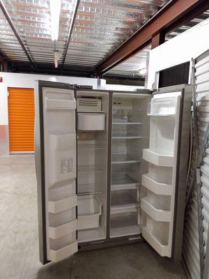 Refrigerator for Sale in GILLEM ENCLAVE, GA