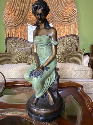 Figura de Bronce fue Comprado en el Dorado for Sale in Hialeah, FL