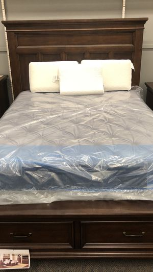 Queen bed for Sale in PA, US