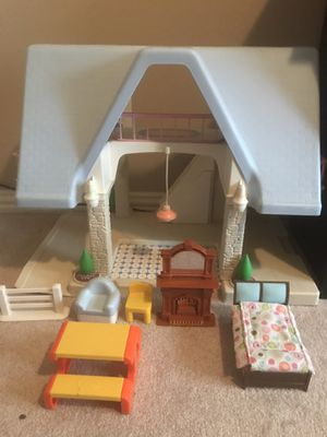 Little tikes doll house for Sale in Garland, TX