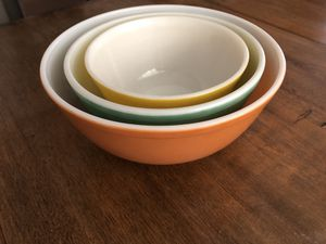 Set of 3 Vintage Pyrex bowls for Sale in Concord, CA