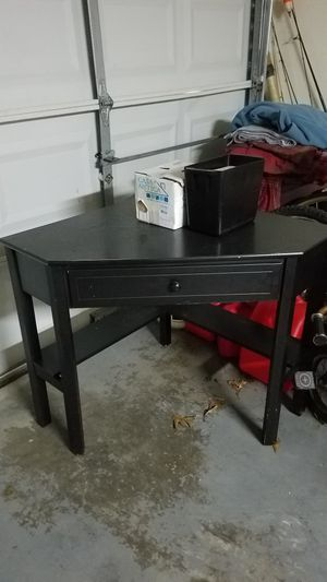 Corner writing desk. for Sale in Ponder, TX