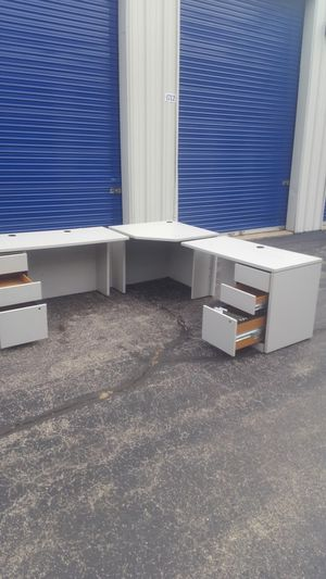 5 piece office desk for Sale in Streamwood, IL