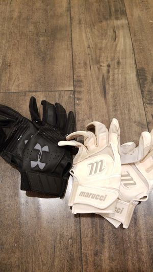 Softball Gloves for Sale in Jamul, CA