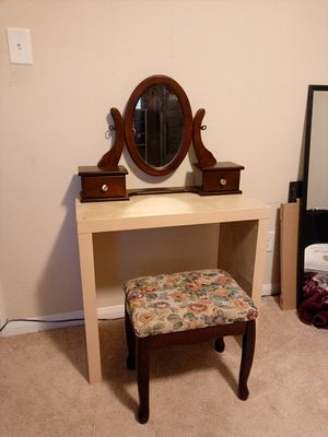 TWO TONE VANITY for Sale in Houston, TX