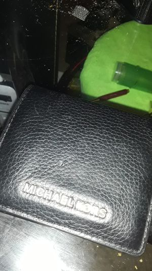 Michael Kors leather wallet for Sale in North Little Rock, AR