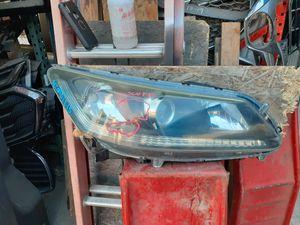 Headlight accord 2013 2014 2015 for Sale in Wilmington, CA