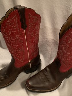 Women's Ariat Boots Red Leather Uppers Square Toe Like New for Sale in Moore,  OK