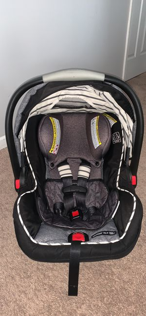 Graco Click Connect Car Seat for Sale in Jacksonville, NC