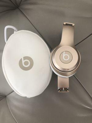 Rose gold Beats solo wireless 2 for Sale in Palm Harbor, FL