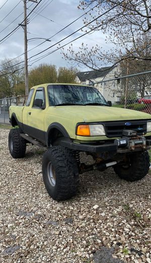 Ford ranger 4x4 5 speed Im asking 3,800 obo runs mint ! for Sale in North Haven, CT