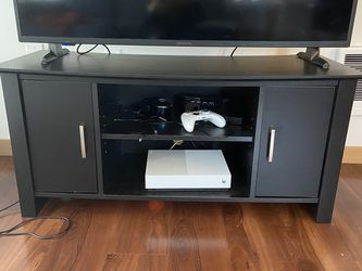 Black Entertainment Center Tv Stand for Sale in Lynnwood,  WA