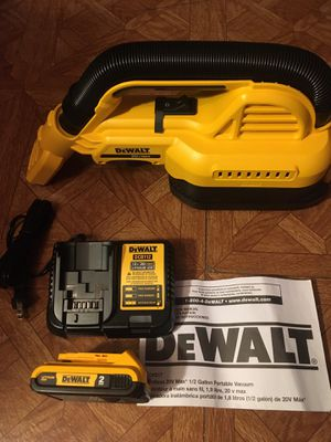 DeWalt. 20V MAX Lithium Ion 1/2 Gall. Cordless Wet/Dry Portable Vacuum Kit. DCV517. for Sale in Brooklyn, NY