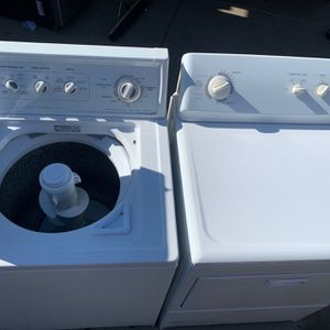 Good Condition Kenmore Washer And Gas Dryer for Sale in Bakersfield, CA