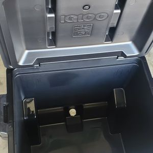 60qt Monster Igloo Cooler NEW for Sale in Bakersfield, CA