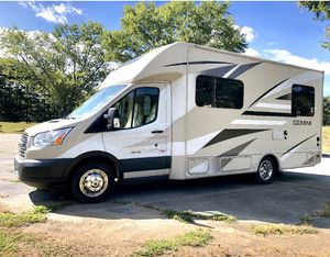 Mint condition: 2017 Gemini Thor RV for sale. Only 14,000 miles for Sale in Biltmore Lake, NC