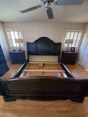 California king bedroom set for Sale in Abilene, TX