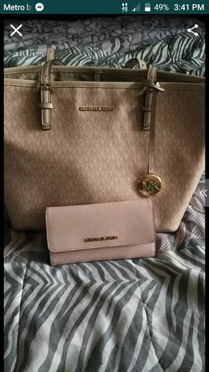 MK bag and wallet for Sale in Waterbury, CT
