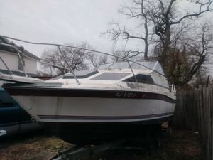 19 89 Bayliner 25 ft boat for Sale in Trenton, NJ