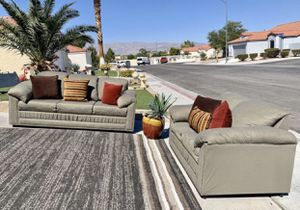Beautiful sofa and loveseat GREAT CONDITIONS NOT PETS NOT SMOKING VERY CLEAN ( FREE DELIVERY) for Sale in North Las Vegas, NV