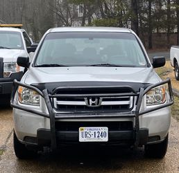 Honda Pilot 169xxx KM 7 seats Clean title on hand, good condition very strong engine always change oil on time and very good transmission no issues , for Sale in Richmond,  VA