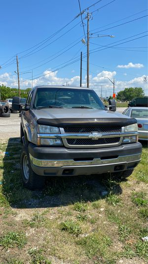 2003 Chevy Silverado 2500hd 6.6l duramax for Sale in Cleveland, OH