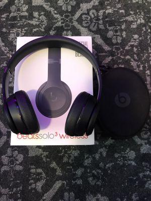 Beats solo 3 wireless Black for Sale in Minneapolis, MN