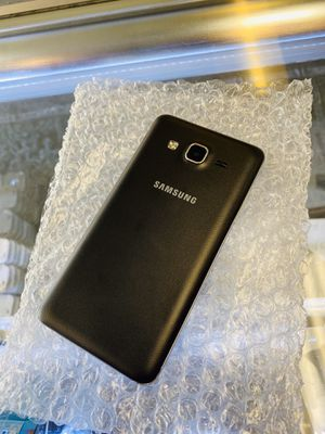 Samsung Galaxy on 5 Unlocked Excellent Condition for Sale in Raleigh, NC