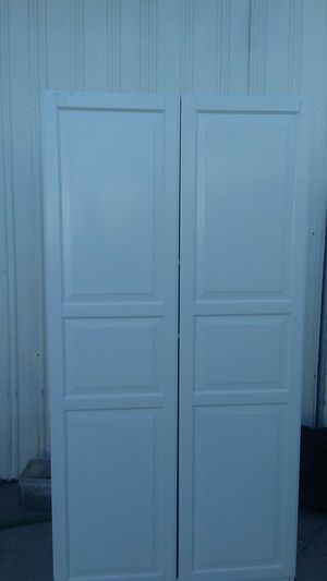 Ikea White Closet w/ 2 adjustable and removable shelves for Sale in Santa Fe Springs, CA
