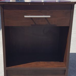TWO (2) GORGEOUS NIGHTSTANDS for Sale in Fairfield, CA
