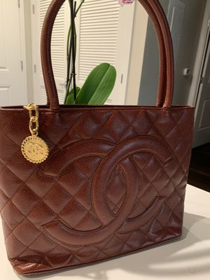 Chanel Medallion Tote Quilted Caviar for Sale in Pleasanton, CA