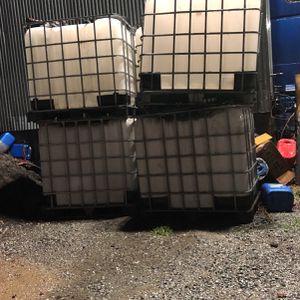 Liquid containers 275 Gallons for Sale in Modesto, CA