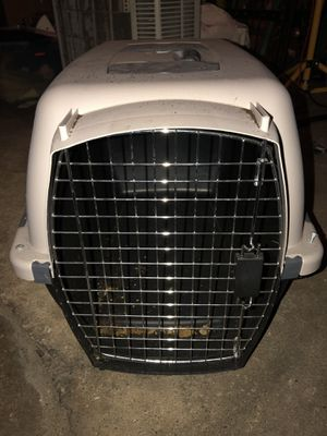"""Pet carrier - Medium- Dimensions: 24"""" long, by 12"""" wide, by 17"""" high for Sale in Chicago, IL"""