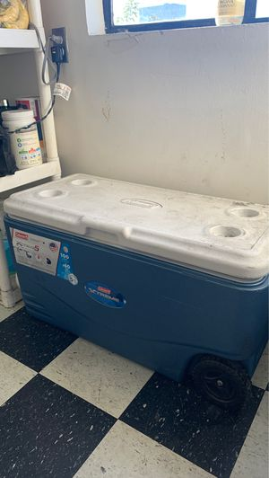 Coleman 100qt cooler for Sale in Los Angeles, CA