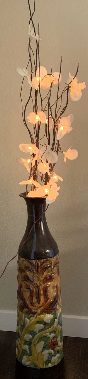 Flower vase with LED Lighted flowers (non battery) for Sale in Fremont, CA