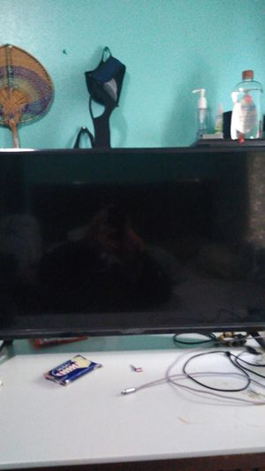 Vizio tv 32 inches comes with remote great condition for Sale in Tacoma, WA