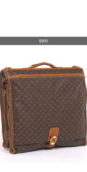 Vintage Louis Vuitton garment bag for Sale in Solon, OH