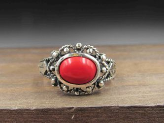 Size 7 Sterling Silver Tarnished Red Material Odd Band Ring Vintage Statement Engagement Wedding Promise Anniversary Bridal Cocktail for Sale in Everett,  WA