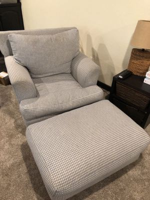 Chair and ottoman for Sale in Colleyville, TX