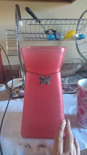 Pink flower vase for Sale in Phoenix, AZ