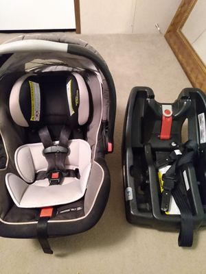 Graco Snugride 35xl click connect infant car seat for Sale in Conroe, TX