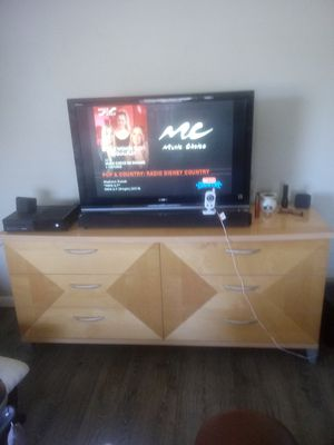 Italian made Dresser and 2 nightstands for Sale in Edgewater, FL