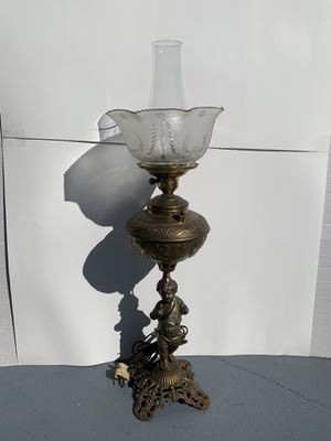 "Antique Metal/Glass Cherub/Angel Electrified Table Oil/Hurricane Lamp (Height: 27"") for Sale in Dade City, FL"