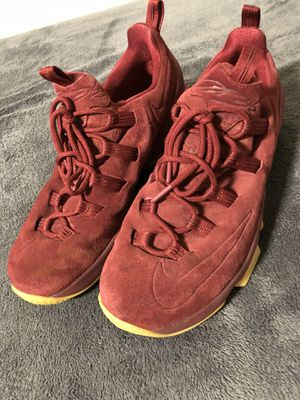 Nike Lebron 13 low Team Red Gum for Sale in Oceanside, CA