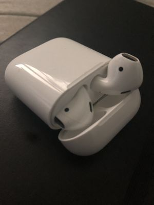 AirPods 9/10 condition for Sale in North Saint Paul, MN
