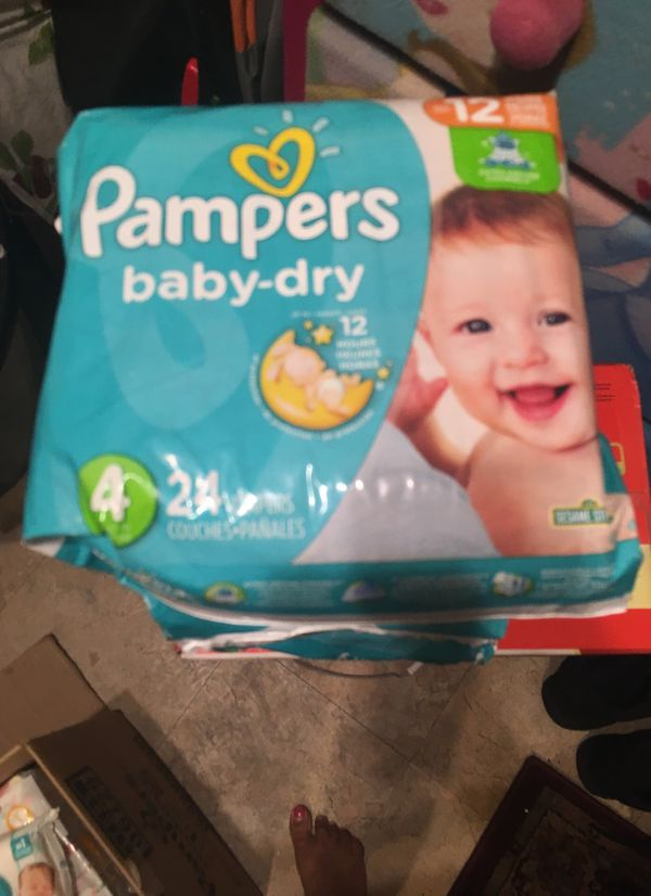 Size 4 (3 pack total diapers 72 & 1 wipes pamper take all $25