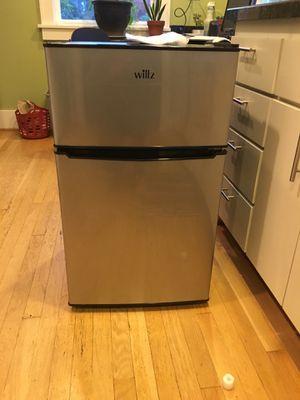 Willz mini fridge for Sale in Portland, OR