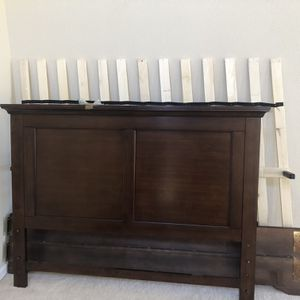 Queen Bed With 2 Night Stands for Sale in San Jose, CA